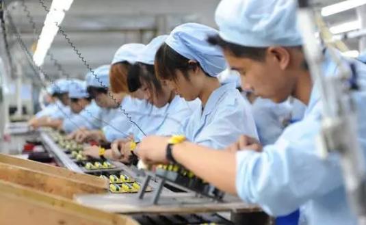 深圳电子厂老板:周末没2倍工资,谁不服不想干立马辞职!